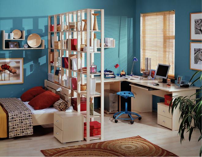В детских и гостиных стеллаж можно использовать в качестве ненесущей стенки-перегородки. Модель из коллекции Oktava от «Дятьково»