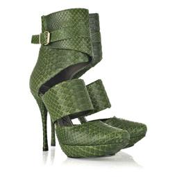 Привлекающие внимание туфли