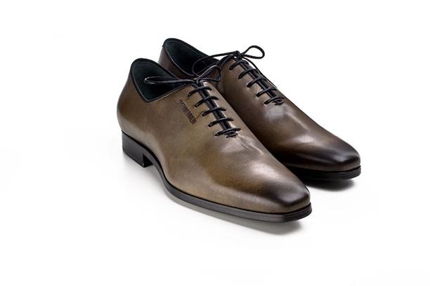 криштиану роналду представил собственную линию обуви