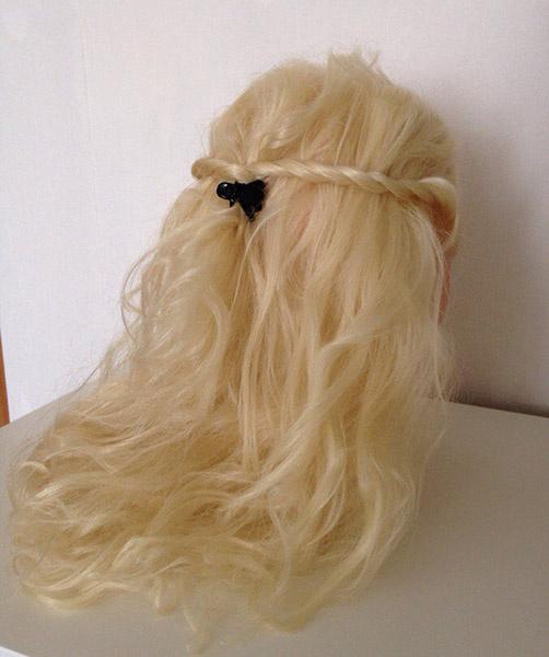 Распущенные волосы из крученых прядей