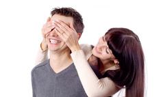 Какими способами добиться внимания мужа после нескольких лет брака?