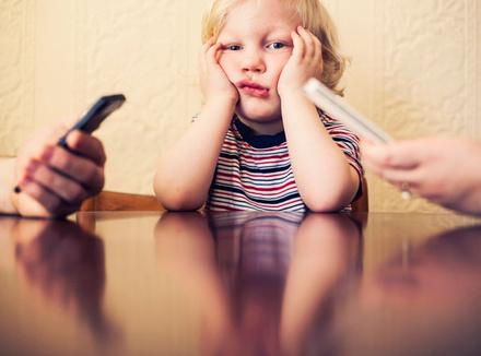 Ребенок и смартфоны