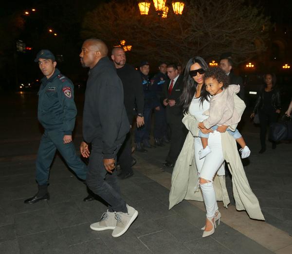 Ким Кардашьян, Канье Уэст и Норт в Армении