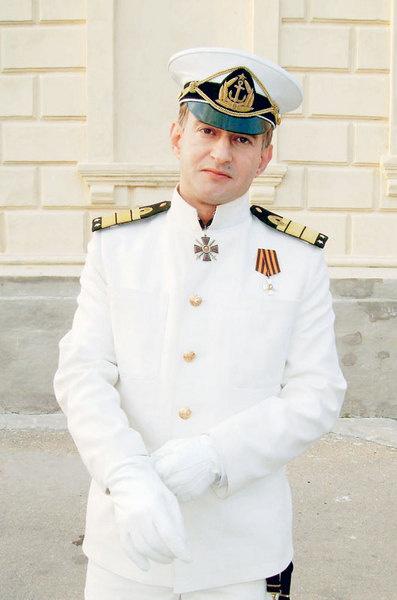 Константин Хабенский в роли адмирала.