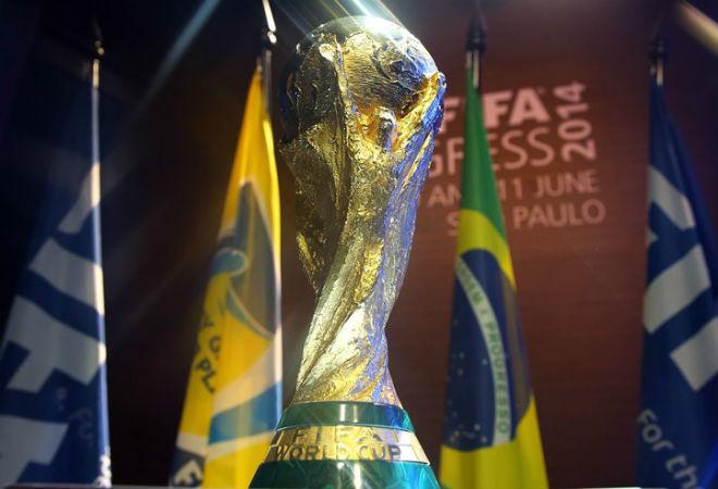 Кубок ЧМ по футболу покажут в Петербурге