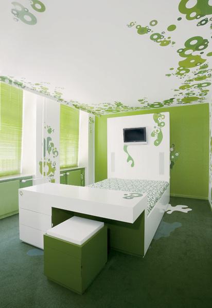 Идея 5: кровать, совмещенная с письменным столом
