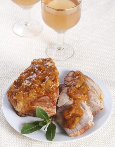 Запеченная свинина в абрикосовой глазури