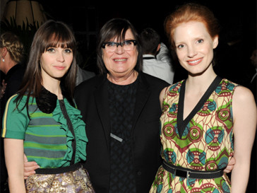 Фелисити Джонс, Маргарита Ван Ден Бош и Джессика Честейн на презентации Marni for H&M