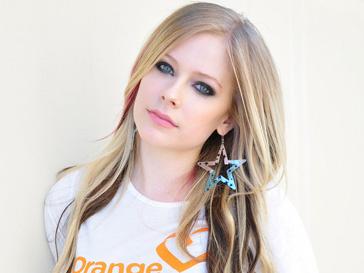 Аврил Лавин (Avril Lavigne) организовала свой фонд