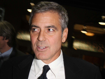 Джордж Клуни (George Clooney) прилетел в Судан в начале января