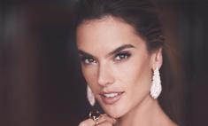 Модель Victoria's Secret похвасталась костлявой попой
