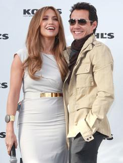 Дженнифер Лопес (Jennifer Lopez) и Марк Энтони (Marc Antony) часто появляются вместе на официальных мероприятиях.