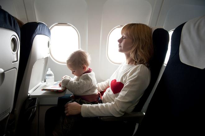 что можно брать в самолет для ребенка