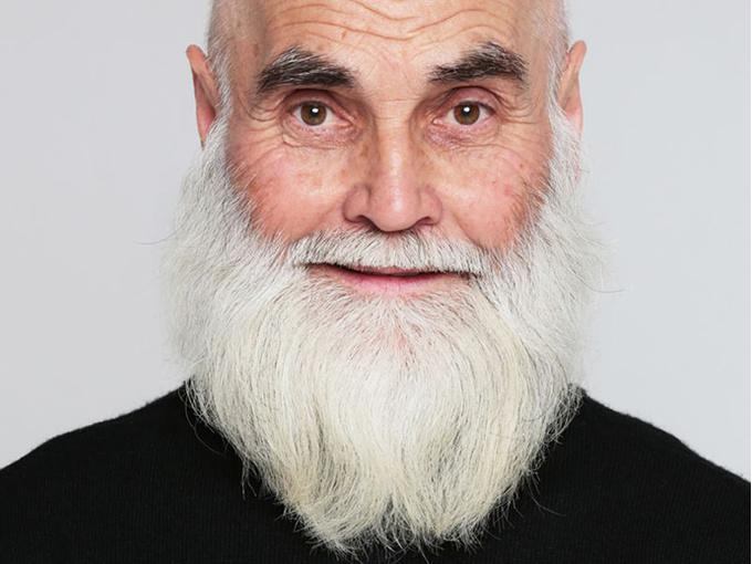 ВИКТОР СОСНОВЦЕВ, 74 года, художник-керамист