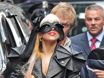 Леди Гага (Lady GaGa) подняла рейтинг Saturday Night Live