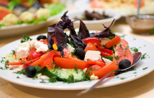 Сладкий салат с перцем