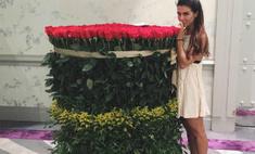 Жизнь как песня: Седоковой подарили «миллион алых роз»
