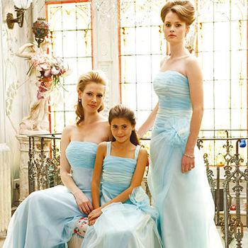 Разные фасоны небесно-голубого платья.