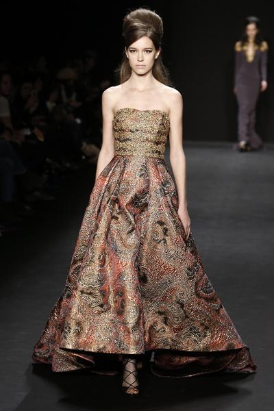 Самые роскошные вечерние платья Недели моды в Нью-Йорке | галерея [1] фото [7]