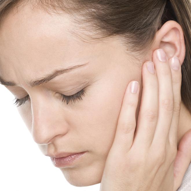 шишка за ухом