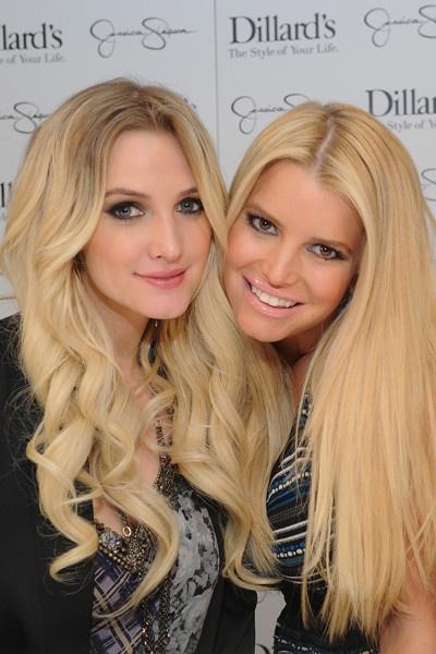 знаменитые сестры Голливуда Эшли и Джессика Симпсон