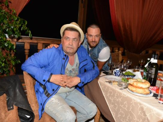 Чадов устроил вечеринку в честь рождения сына