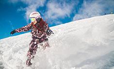 Покоряя вершины: топ-10 самых смелых сноубордисток Кубани