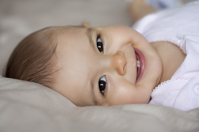какой первый зуб у ребенка