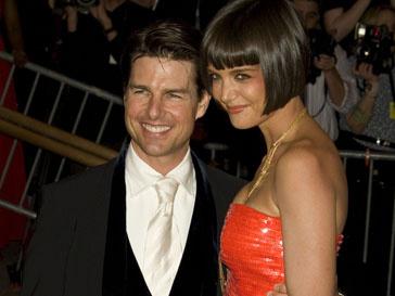 Кэти Холмс (Katie Holmes) присутствует на съемках Тома Круза (Tom Cruise)