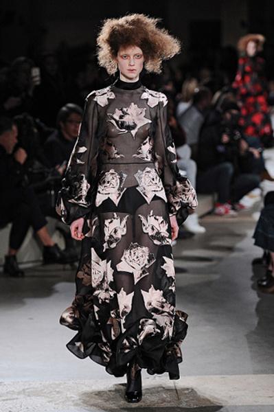 Неделя моды в Париже: показы Alexander McQueen и Paul & Joe ready-to-wear осень — зима 2015-2016   галерея [1] фото [13]