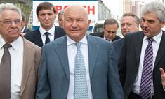 Кремль напомнил Лужкову, кто решает вопрос о продлении его полномочий