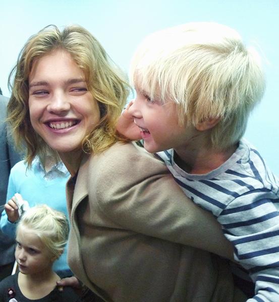 Наталья Водянова с младшим сыном Виктором