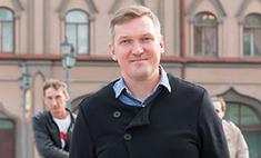 Игорь Ознобихин сделал фото на фоне саратовской Консерватории