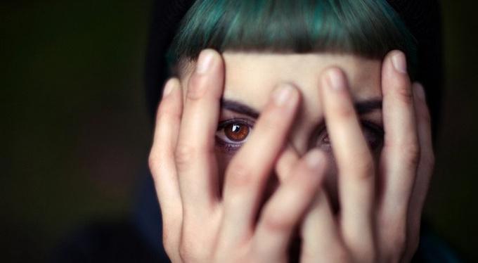 О чем важно знать, если ваш близкий пережил серьезную психическую травму