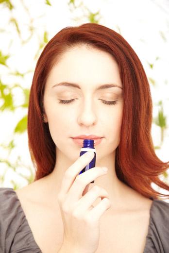 Нежный аромат эфирных масел приведет в порядок мысли и успокоит нервную систему.