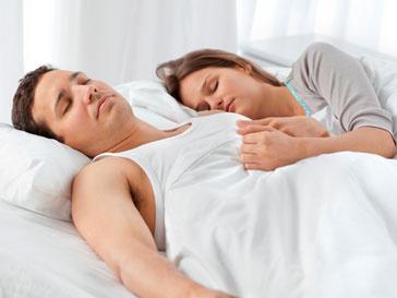 В процессе сна все функции человеческого организма выполняются гораздо медленнее