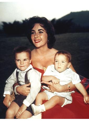 С сыновьями Майклом и Кристофером