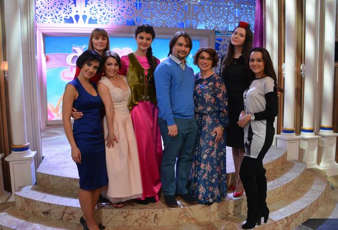 """Роза Сябитова с сыном на шоу """"Давай поженимся!"""" фото"""
