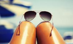 Модное пляжное селфи ноги-сосиски