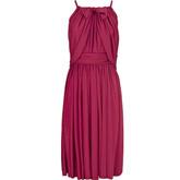 Платье ягодного оттенка.