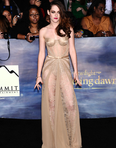 """Кристен Стюарт (Kristen Stewart) на лос-анджелесской премьере """"Сумерки. Сага. Рассвет. Часть 2"""""""