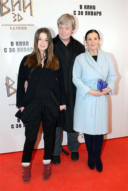 Екатерина Стриженова с мужем и дочерью