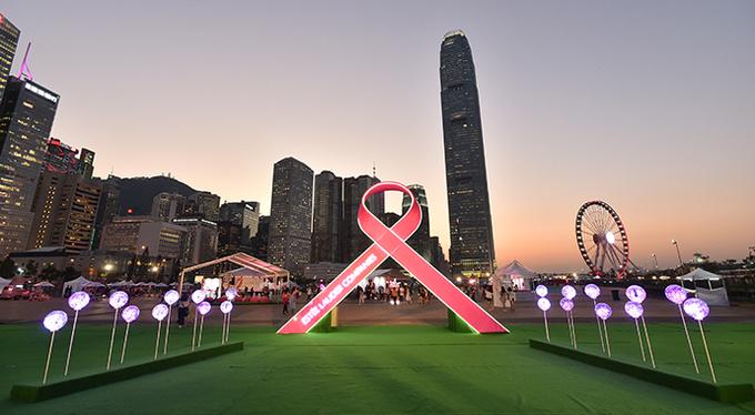 Кампания Estée Lauder по борьбе с раком груди 2019