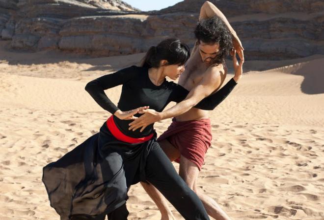 Танцующий в пустыне фото