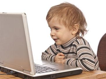 Подавляющее число 5-летних детей свободно чувствуют себя в интернете