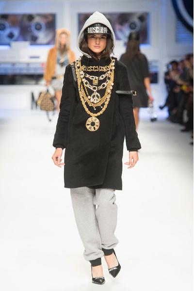 Показ Moschino на Неделе моды в Милане | галерея [4] фото [15]