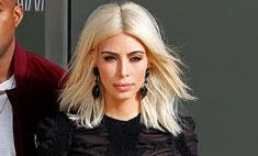 Ким Кардашьян вышла в свет в безвкусном платье