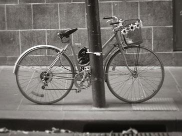 Велосипедисты из Мельбурна выехали на улицы города совсем голыми
