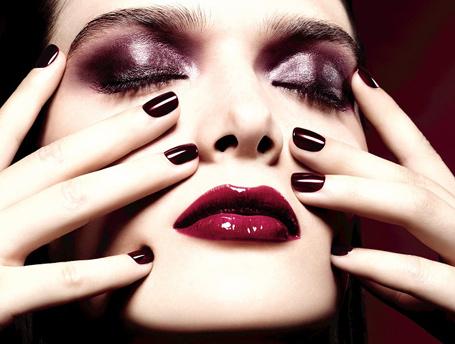 В ожидании чуда: лучшие новогодние коллекции макияжа