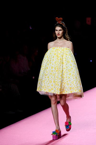 Несмотря налишние килограммы: Кристина Агилера снялась вмеду ибез одежды новые фото